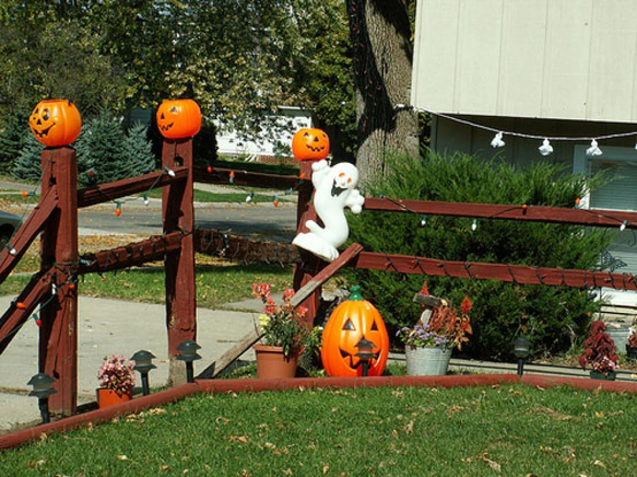 Halloween Decor Outdoor  Outside halloween decorations ideas best outdoor