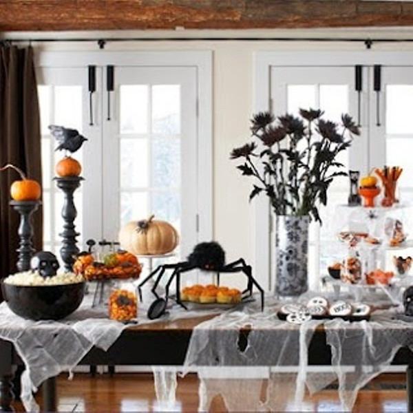 Halloween Decorating Party Ideas  43 Cool Halloween Table Décor Ideas