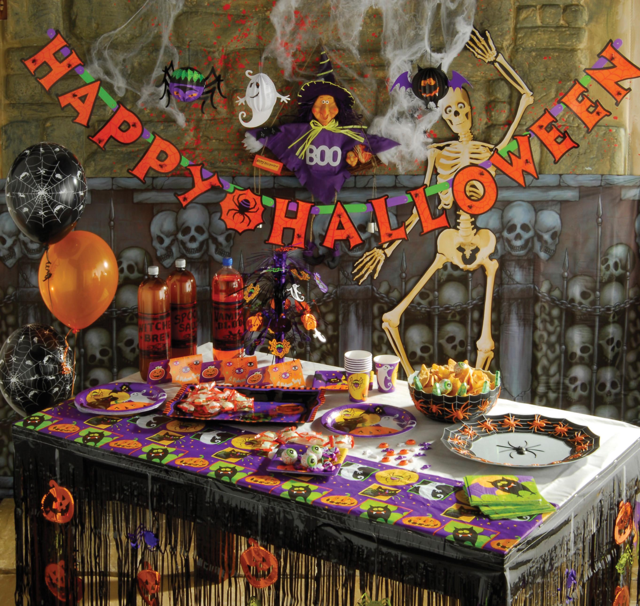 Halloween Decorating Party Ideas  SPOOKTACULAR HALLOWEEN TRICKS & TREATS FROM MATALAN