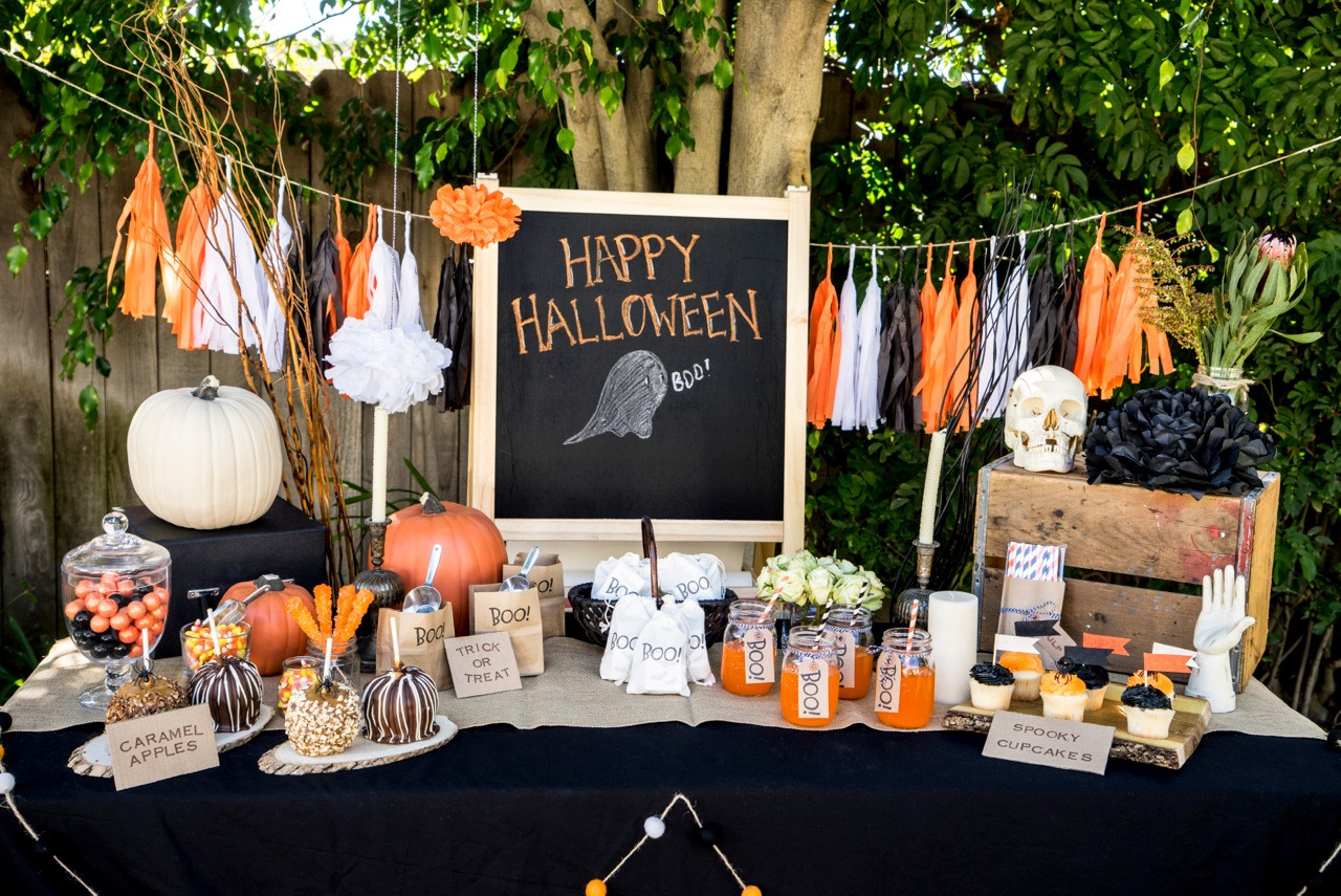 Halloween Decorating Party Ideas  Planning the Perfect Halloween Party With Kids