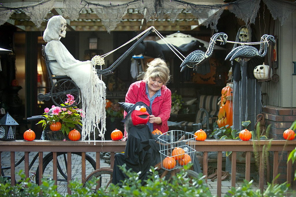 Halloween Decoration Outdoor  35 Best Ideas For Halloween Decorations Yard With 3 Easy Tips