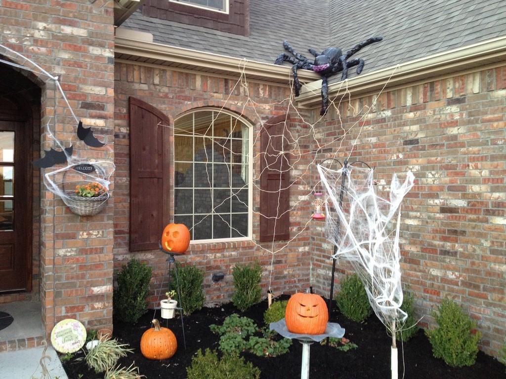 Halloween Decoration Outdoor  Outdoor Halloween Decorations – WeNeedFun
