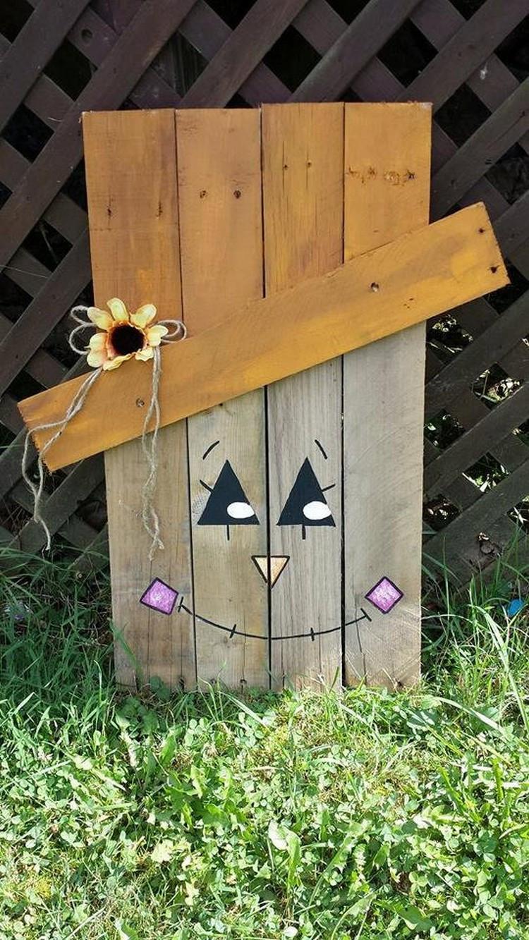 Halloween Decoration Outdoor  Pallet Halloween Yard Decoration Ideas