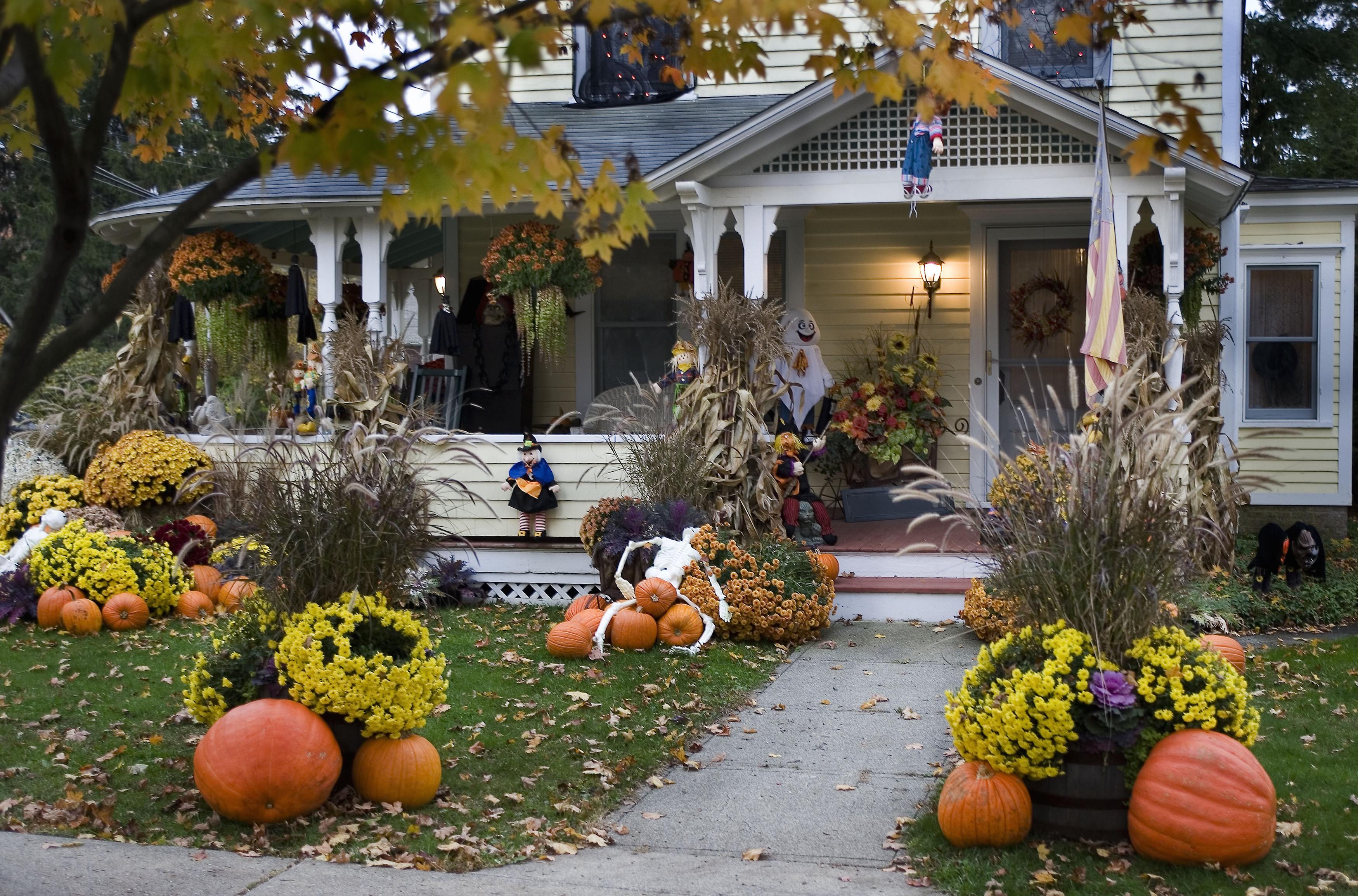 Halloween Decoration Outdoor  10 Best Outdoor Halloween Decorations Porch Decor Ideas