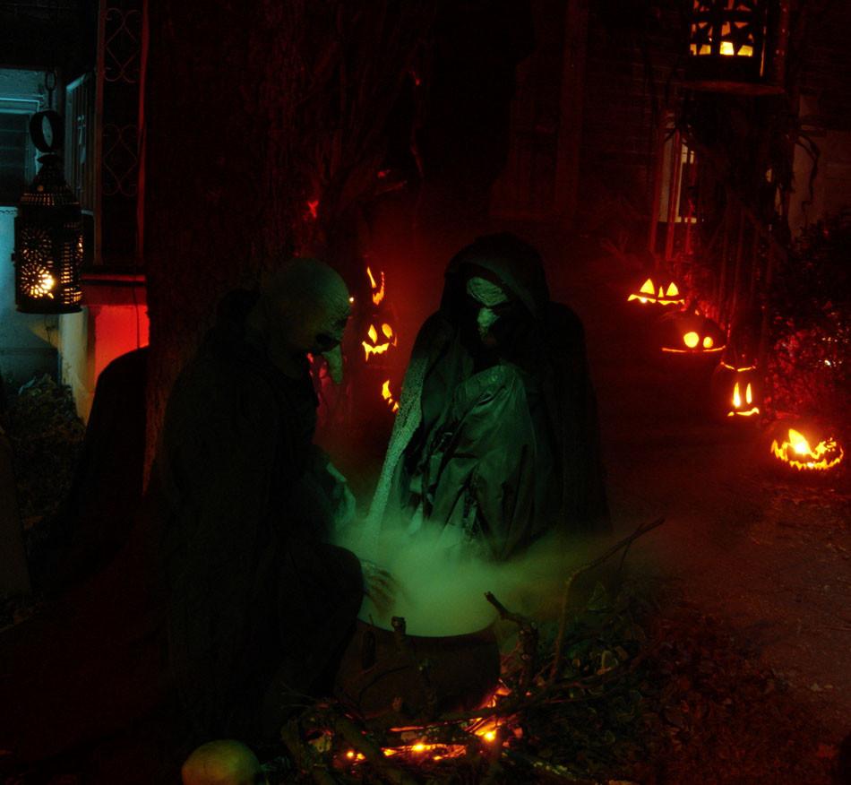 Halloween Decoration Outdoor  Halloween Costumes 2018 Halloween Yard Decoration Displays