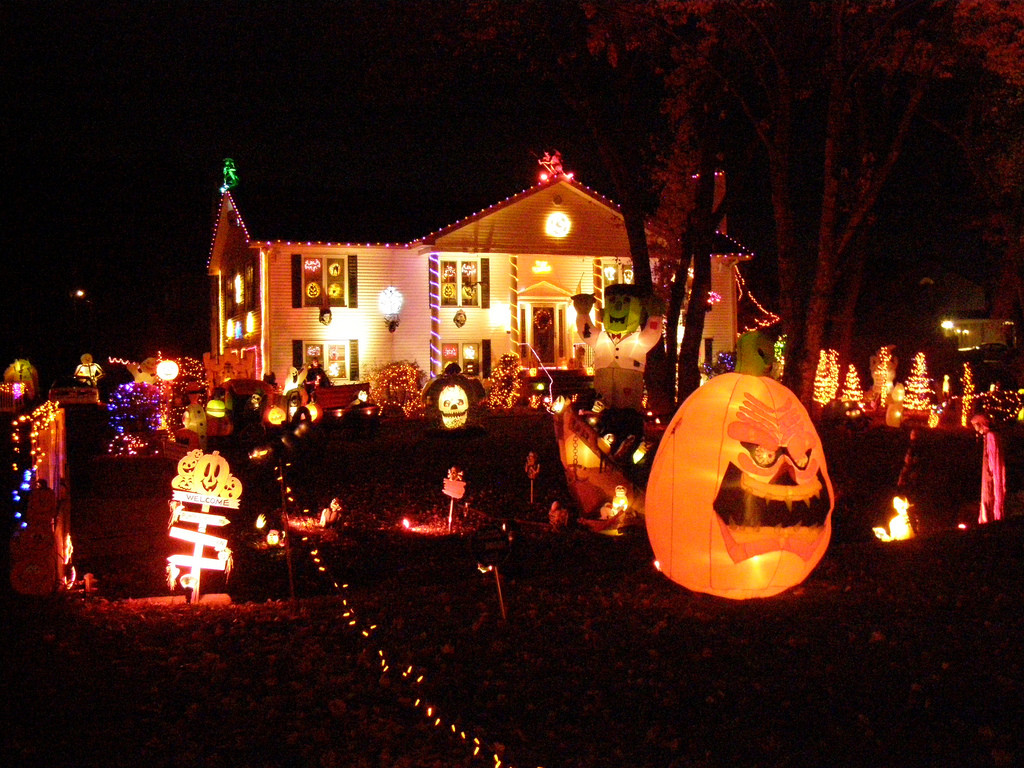 Halloween Decoration Outdoor  Outdoor Halloween Decorations – Kids Are From Pluto A