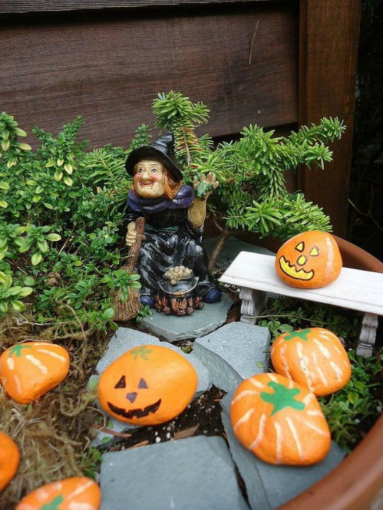 Halloween Fairy Garden Accessories  Make Your Neighbors Giggle With These 9 Halloween Fairy