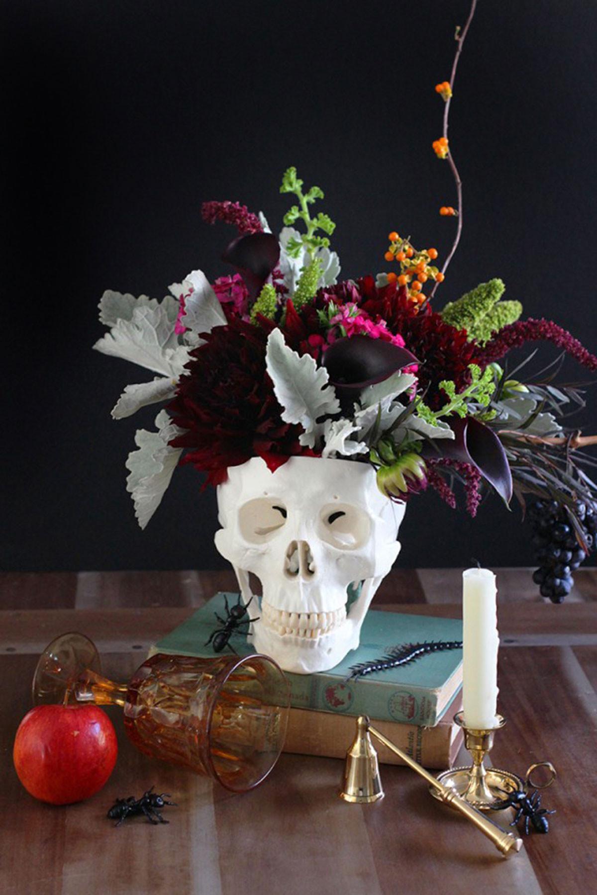 Halloween Flower Arrangements  40 Easy DIY Halloween Decorations Homemade Do It