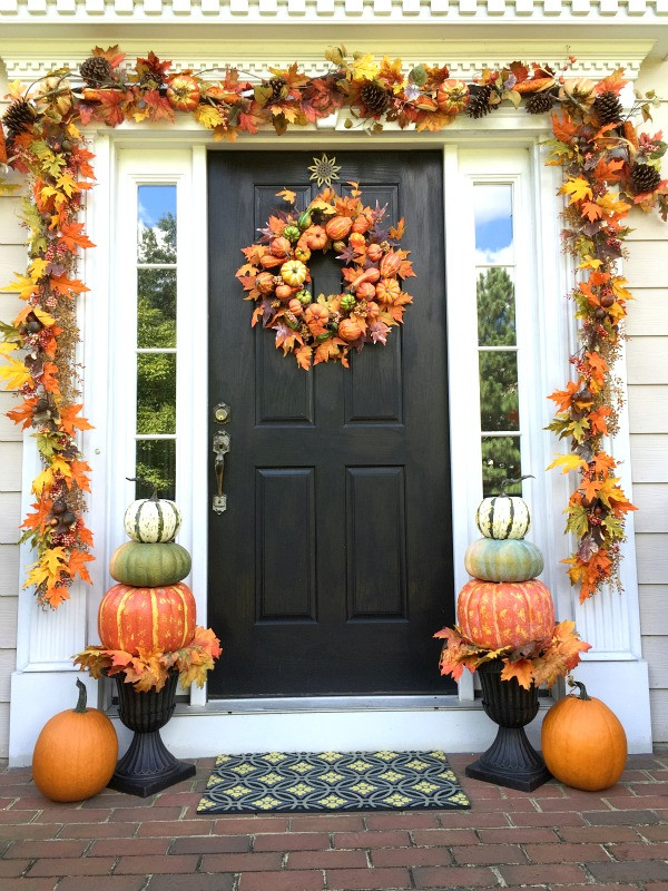 Halloween Front Porch Ideas  70 Cute And Cozy Fall And Halloween Porch Décor Ideas
