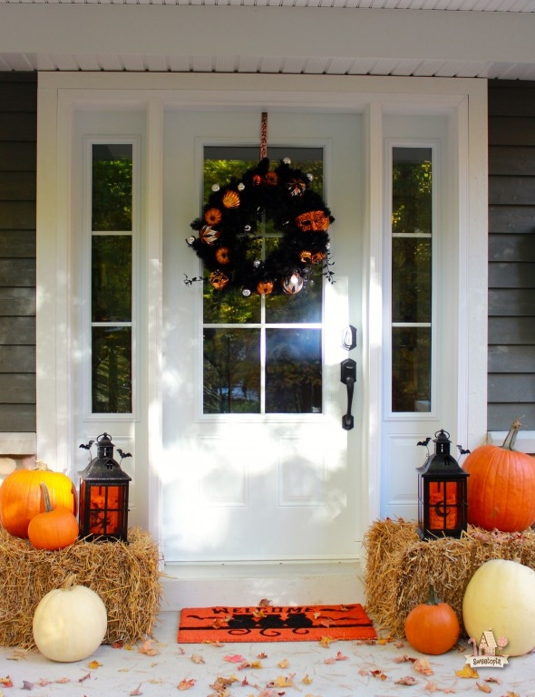 Halloween Front Porch Ideas  Fabulous Outdoor Decorating Tips and Ideas for Fall ZING