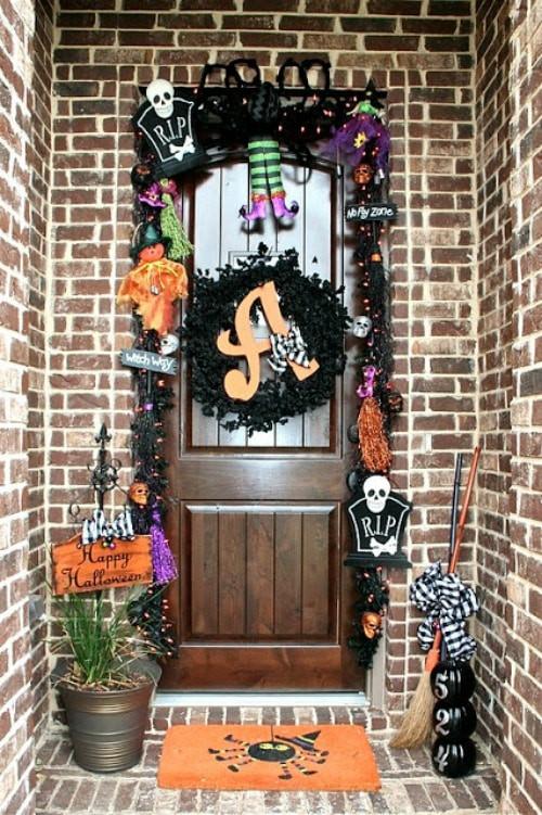 Halloween Front Porch Ideas  Fun Halloween Front Door Decorations