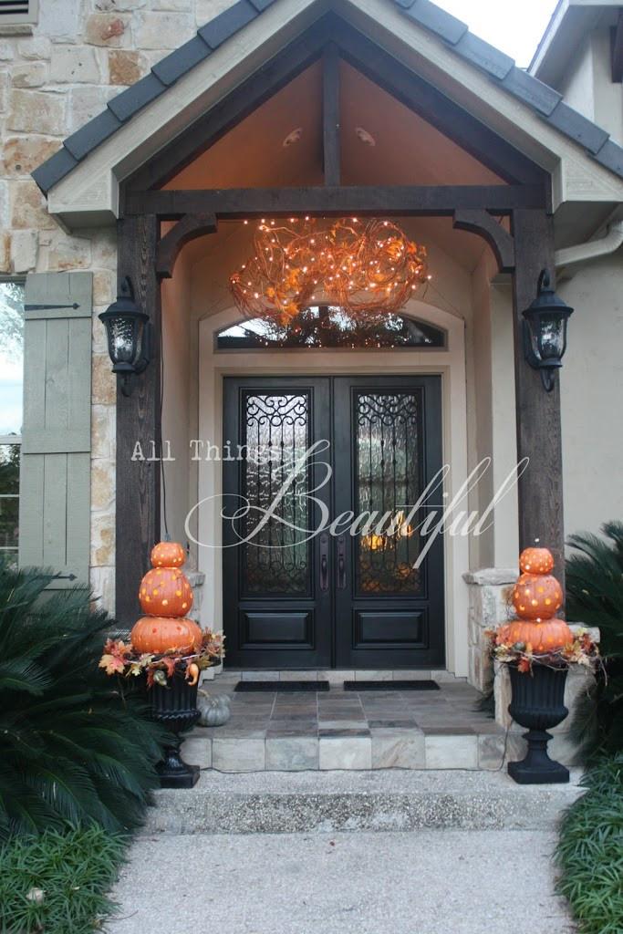Halloween Front Porch Ideas  14 Fall and Halloween Porch Decor Ideas Embellishmints