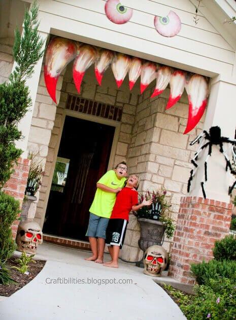 Halloween Garage Door Decoration  19 Halloween Door Decorating Ideas that are Hauntingly