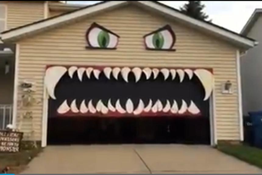 Halloween Garage Door Decoration  Watch Garage door forms the mouth of Halloween monster