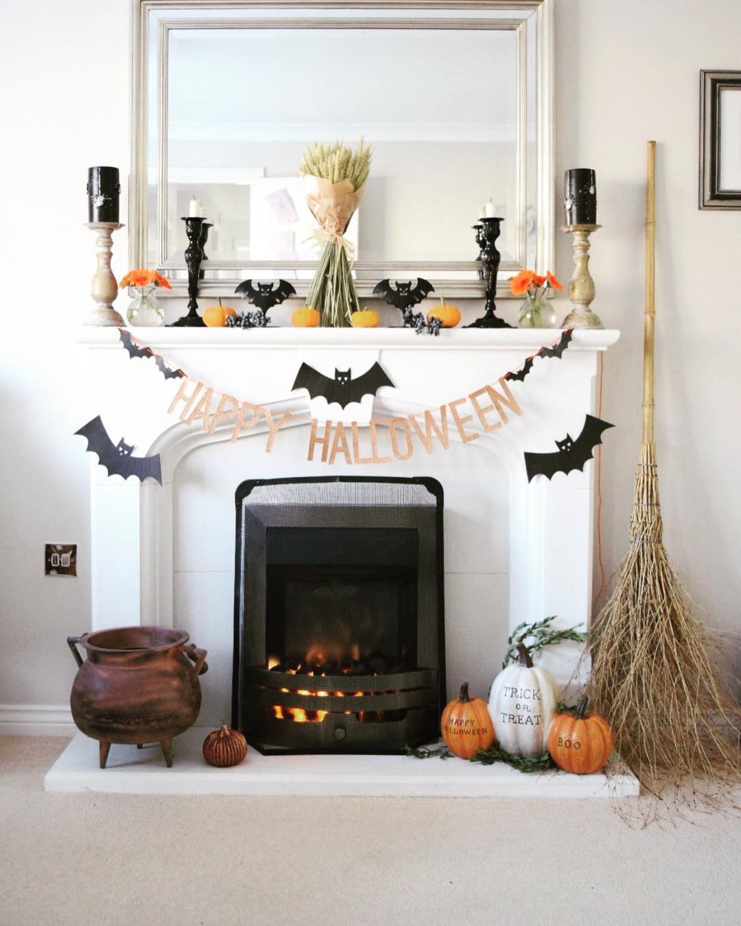 Halloween Living Room Decor  50 Unique Halloween Party Decorating Ideas That'll Floor You
