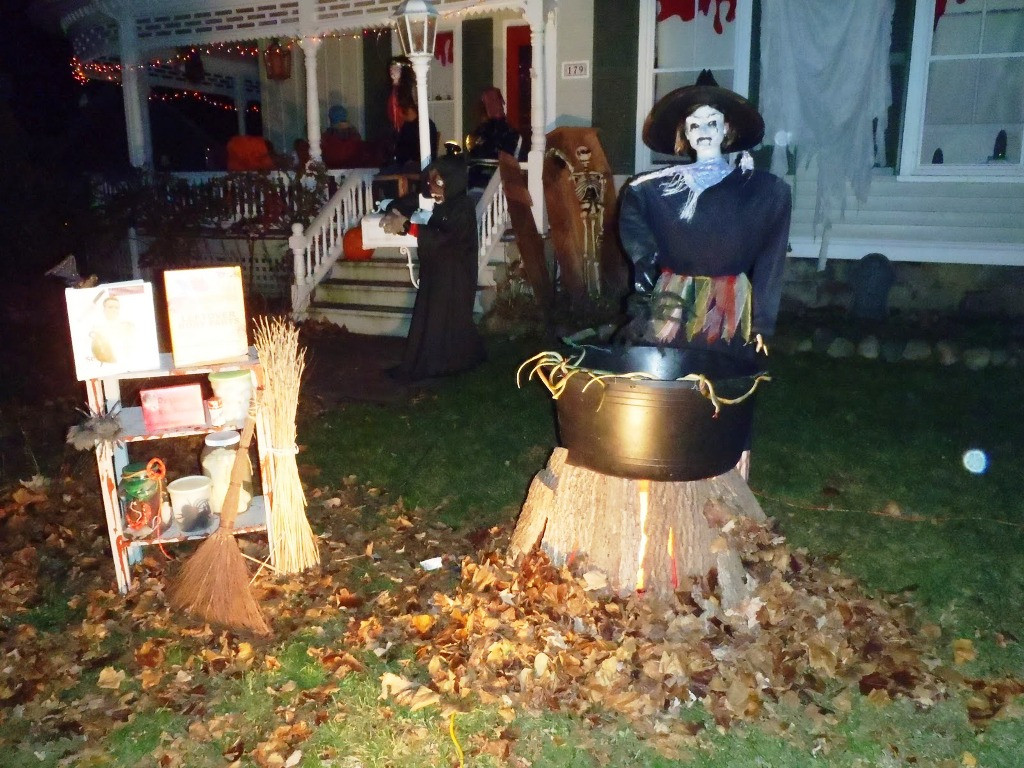 Halloween Outdoor Decorations  35 Best Ideas For Halloween Decorations Yard With 3 Easy Tips