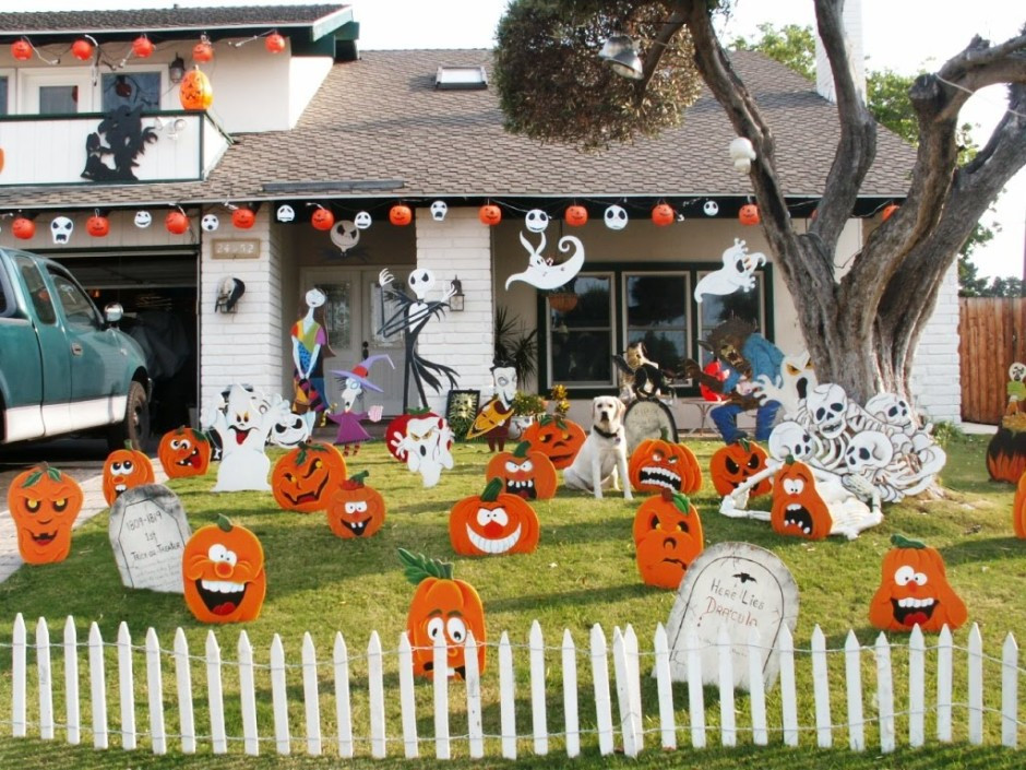 Halloween Outdoor Decorations  Outdoor Halloween Decorations Ideas To Stand Out
