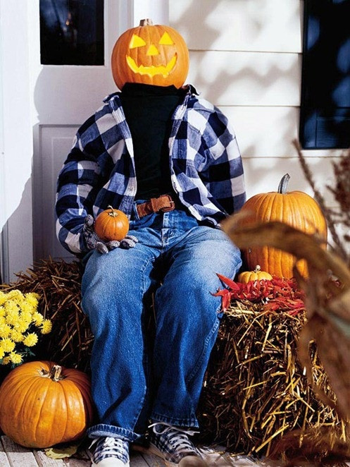 Halloween Porch Greeters  85 Pretty Autumn Porch Décor Ideas DigsDigs