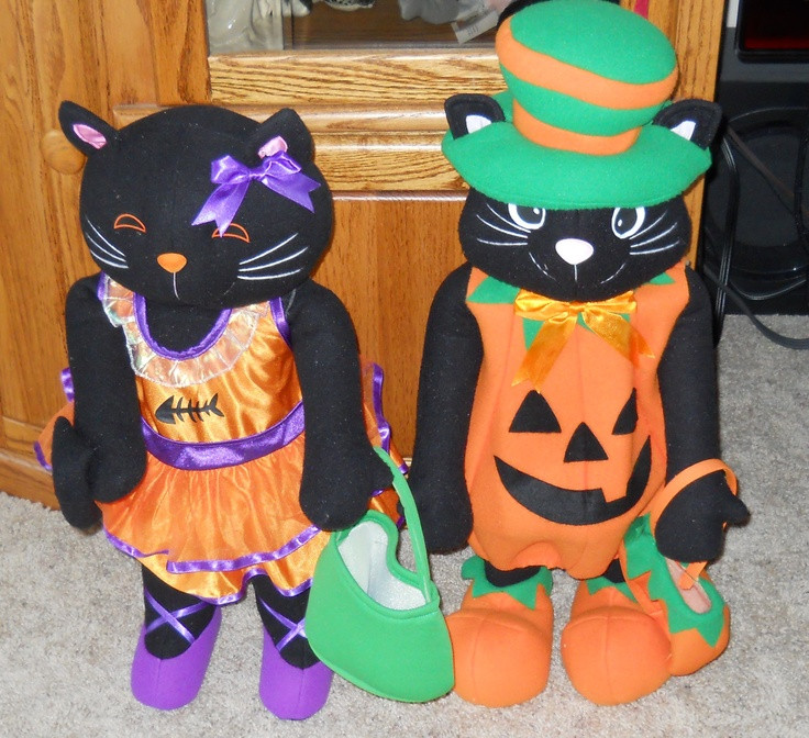 Halloween Porch Greeters  Halloween Cat Porch Greeters from K Mart