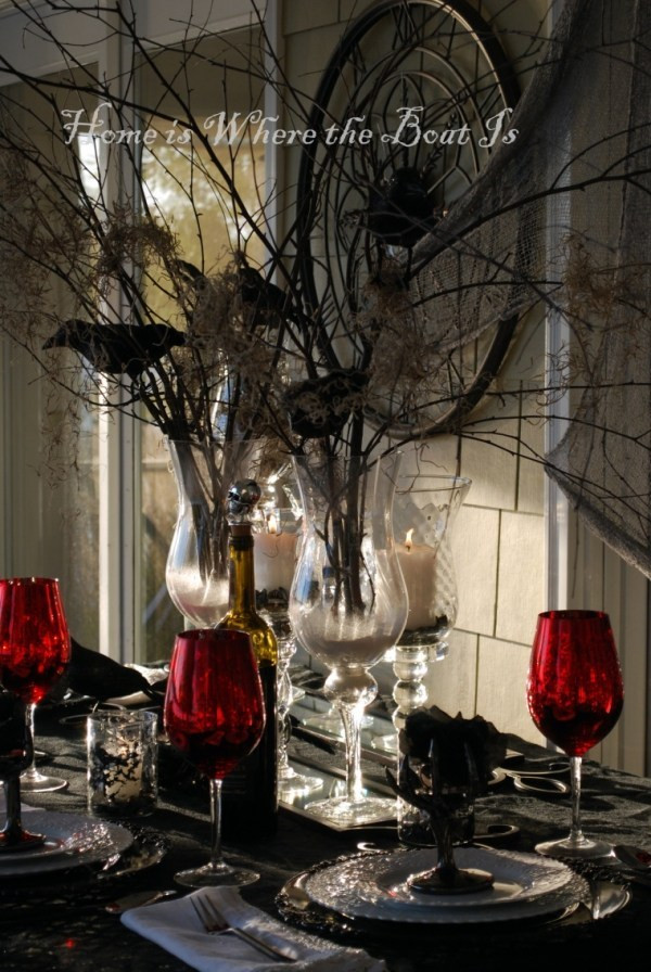 Halloween Table Settings  10 elegant Halloween table themes – Craft Gossip