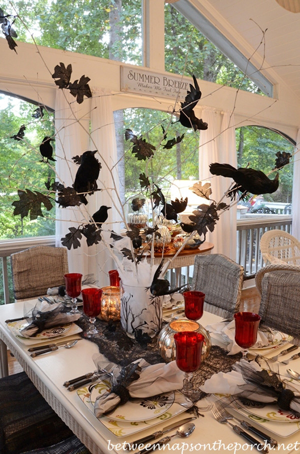 Halloween Table Settings  Halloween Table Settings 12 Spooky & Glamorous Ideas