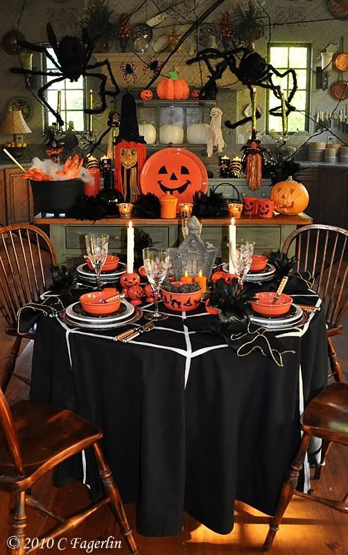 Halloween Table Settings  Great Halloween Table setting & Decor Halloween