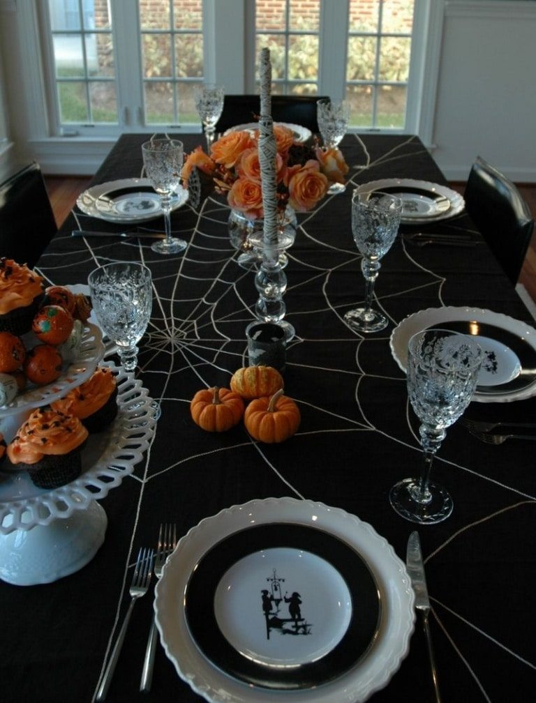 Halloween Table Settings  18 Scary Halloween Table Decorations Decoration Y