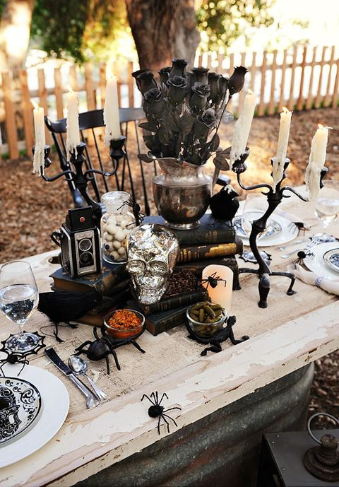Halloween Table Settings  21 Best Halloween Table Decoration Ideas DIY Halloween