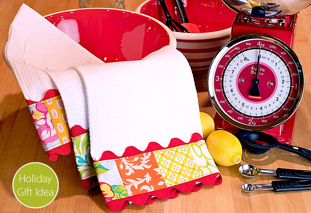 Kitchen Christmas Gifts  Quick & Cool Holiday Gift Trimmed Kitchen Towels with