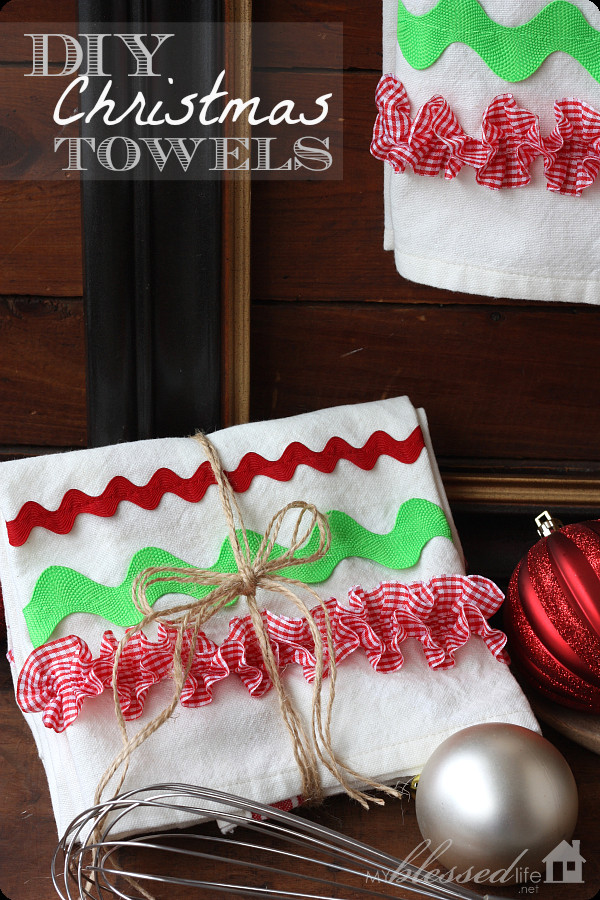 Kitchen Christmas Gifts  DIY Christmas Kitchen Towels