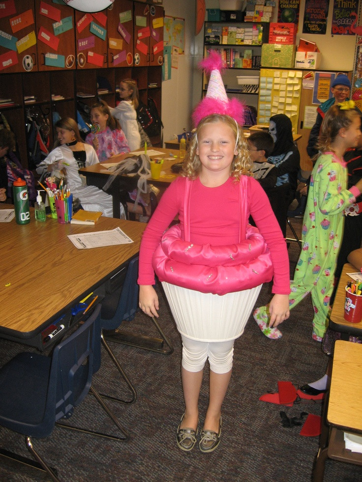 Lamp Shade Halloween Costume  25 best ideas about Cupcake halloween costumes on
