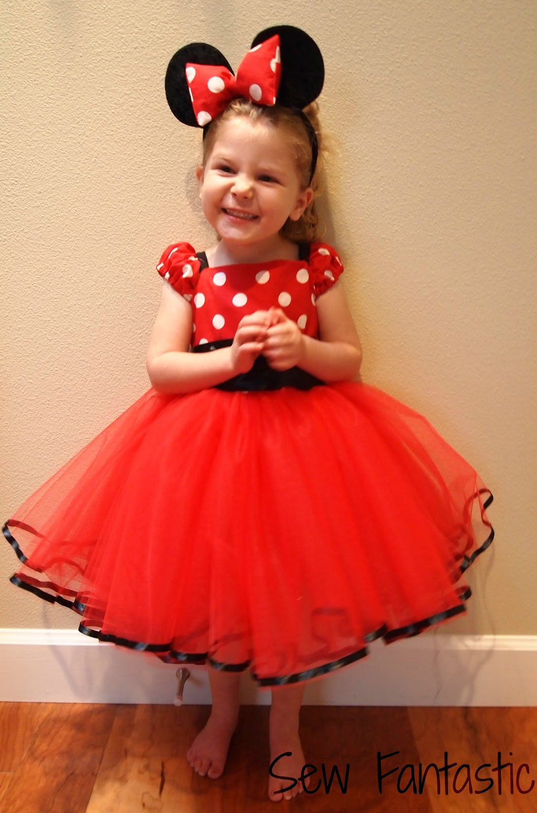 Minnie Mouse DIY Costume  Sew Fantastic Minnie Mouse Miracle