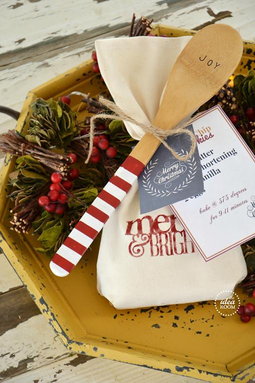 Neighbors Gift Ideas For Christmas  12 Free Christmas Printables