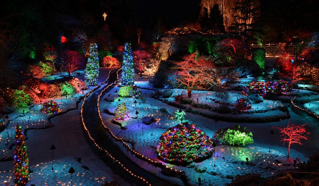 Oregon Garden Christmas  Family Fun Holiday Attractions in the Pacific Northwest