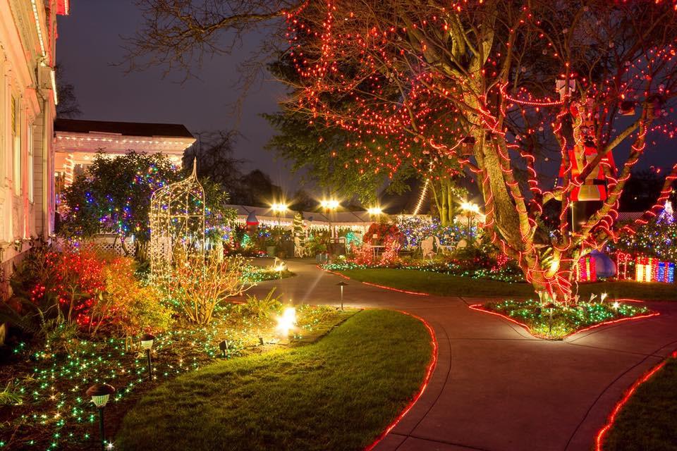 Oregon Garden Christmas  The Christmas Display In Portland With Over 1 Million Lights