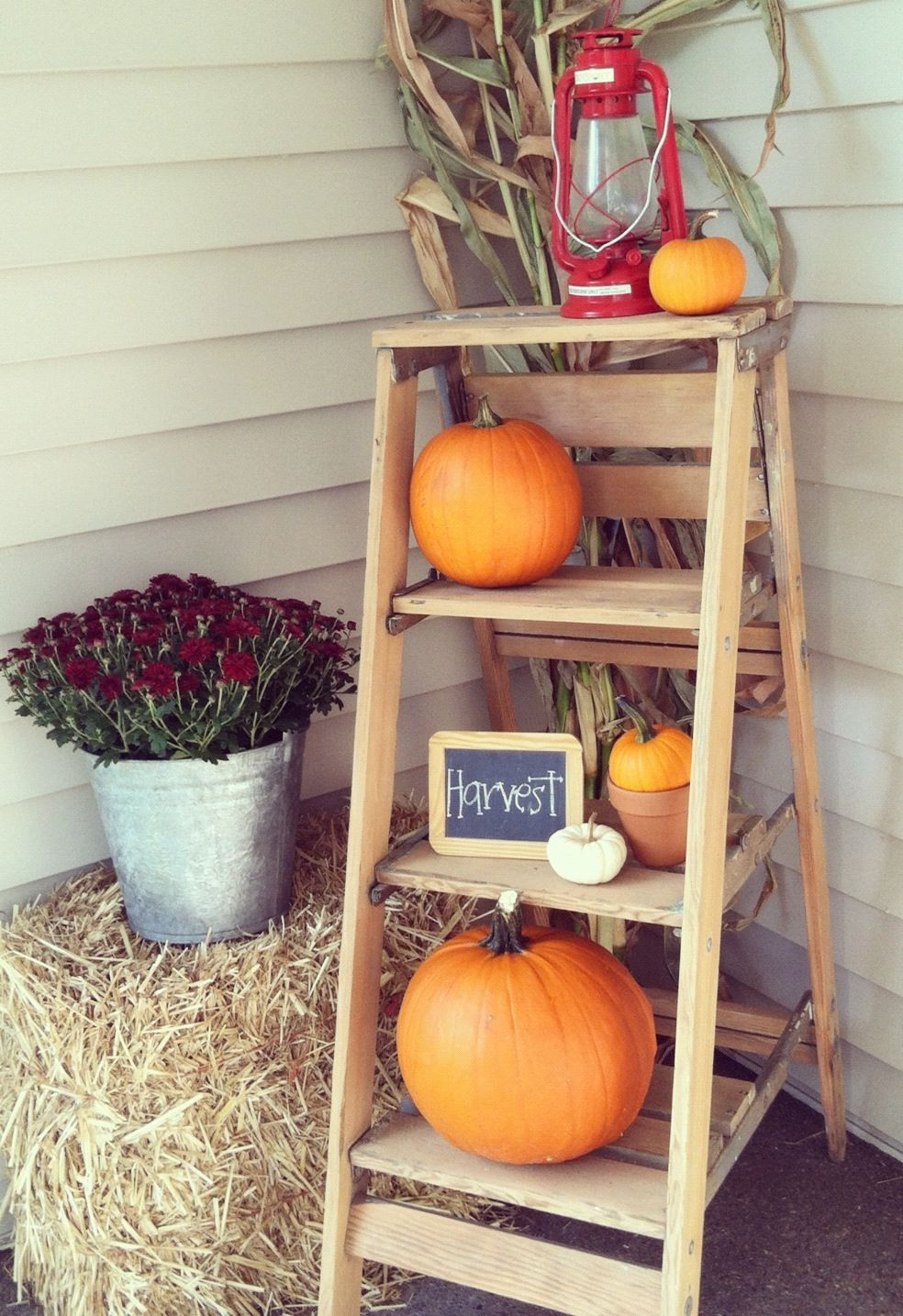 Outdoor Fall Decorations  20 Fall Front Porch Decorating Ideas