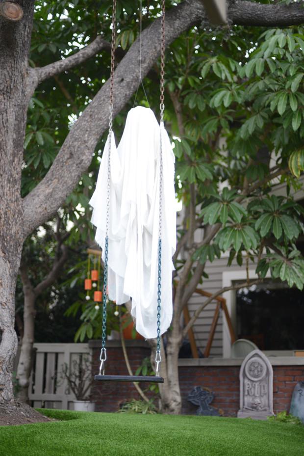 Outdoor Halloween Decorations Ideas  35 Best Ideas For Halloween Decorations Yard With 3 Easy Tips