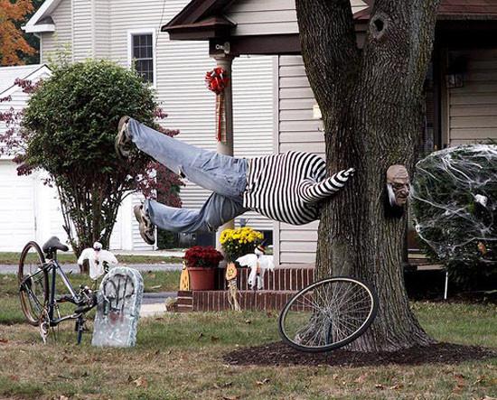 Outdoor Halloween Decorations Ideas  15 DIY Halloween Yard Decorations