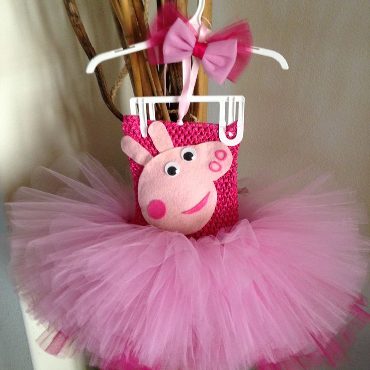 Peppa Pig Costume DIY  1000 ideas about Pig Costumes on Pinterest