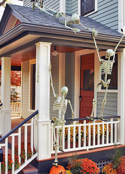 Porch Decorated For Halloween  125 Cool Outdoor Halloween Decorating Ideas DigsDigs