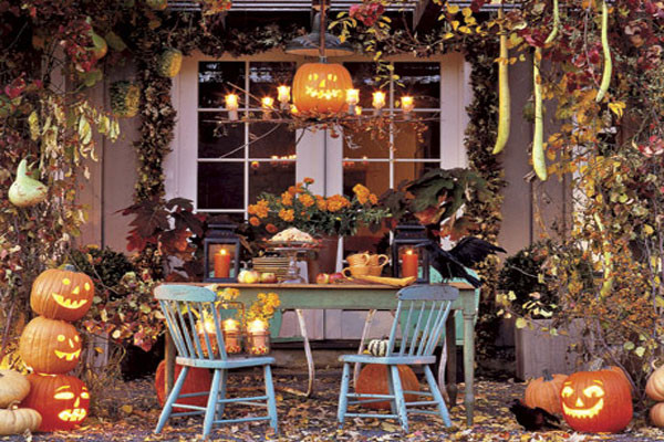 Porch Decorated For Halloween  90 Cool Outdoor Halloween Decorating Ideas