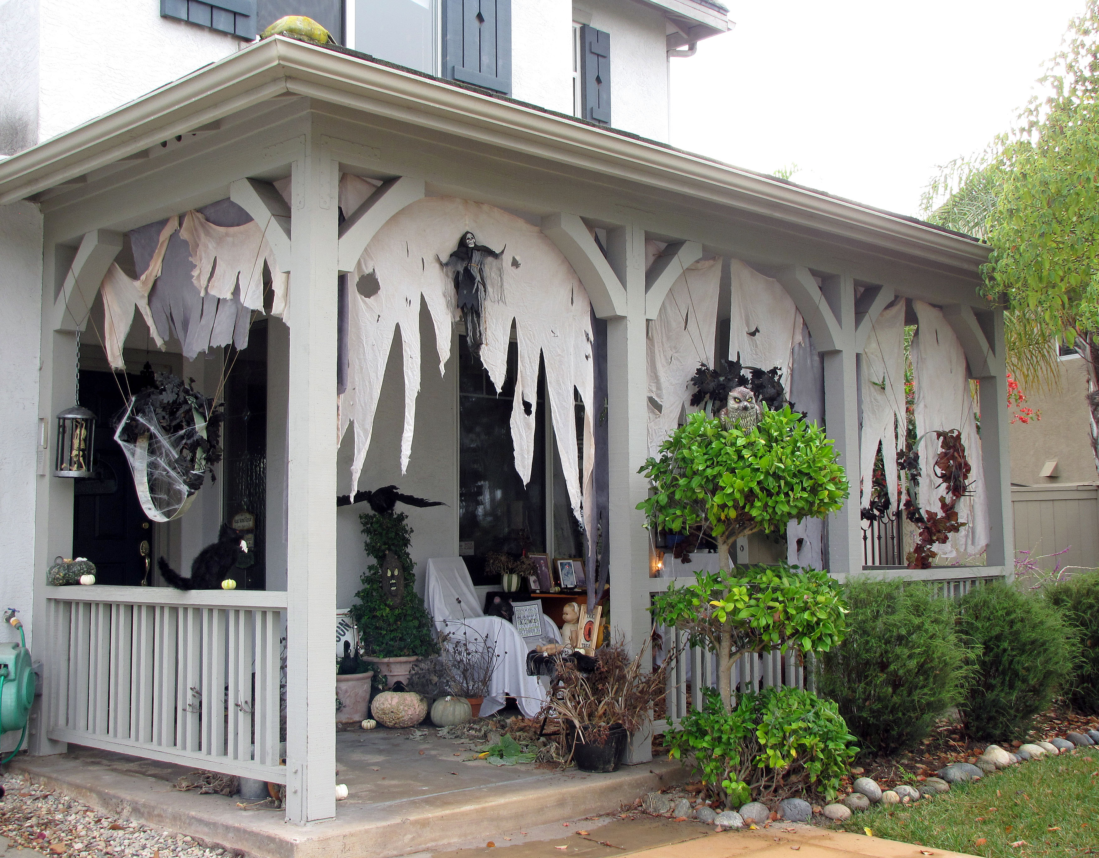Porch Decorated For Halloween  301 Moved Permanently