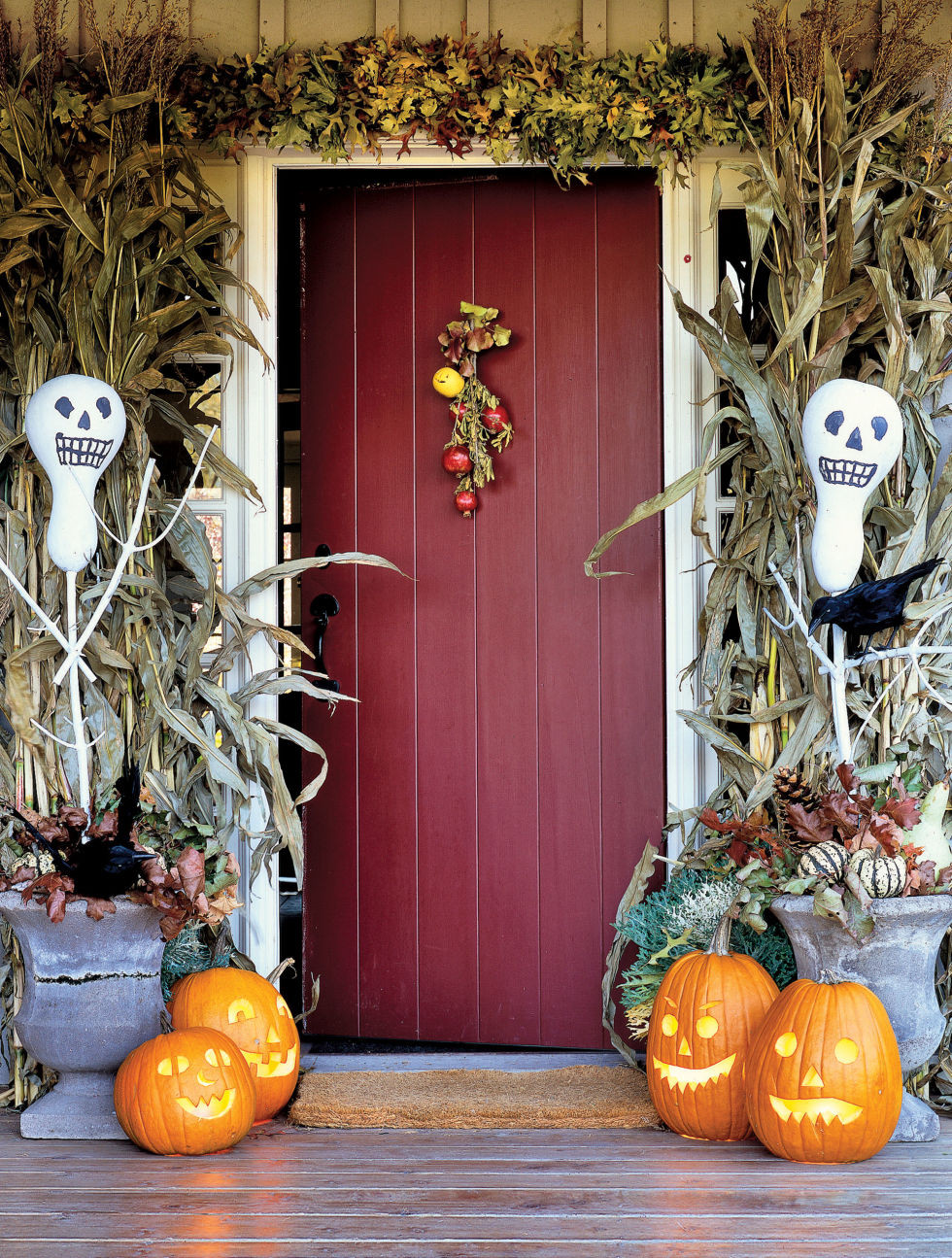 Porch Decorated For Halloween  11 Awesome Outdoor Halloween Decoration Ideas Awesome 11