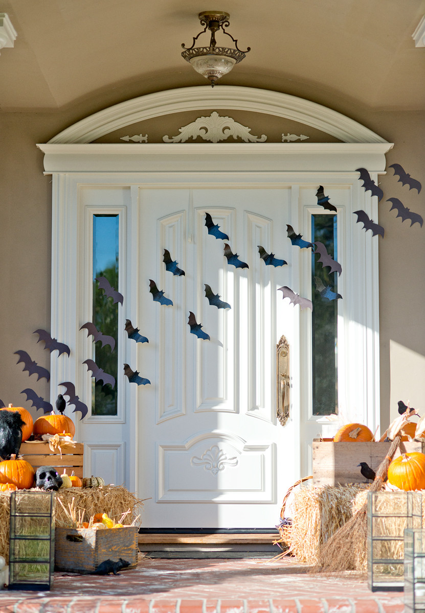 Porch Decorations For Halloween  Cute Halloween Front Porch Decorations to Greet Your Guests