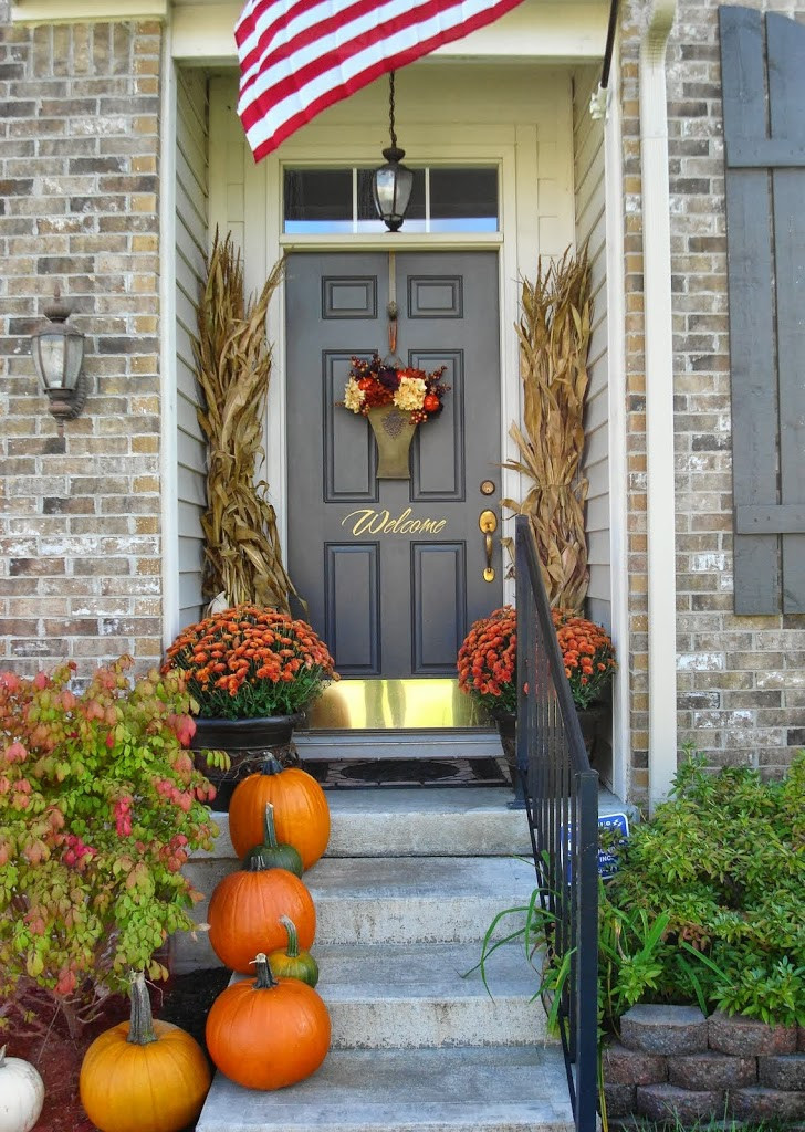Porch Decorations For Halloween  14 Fall and Halloween Porch Decor Ideas Embellishmints