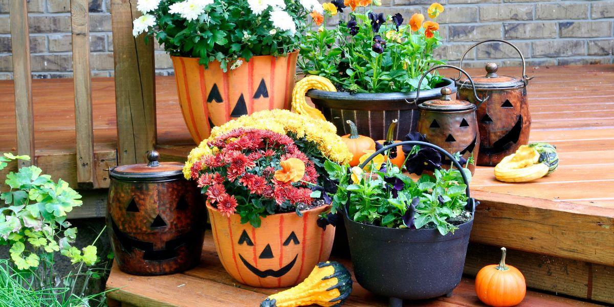 Porch Halloween Decor  43 Best Outdoor Halloween Decoration Ideas Easy