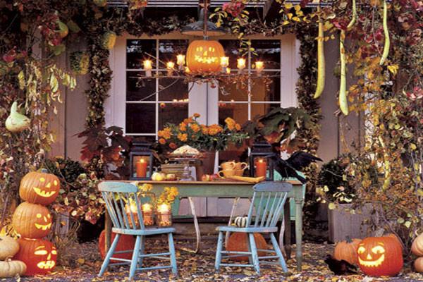 Porch Halloween Decor  90 Cool Outdoor Halloween Decorating Ideas