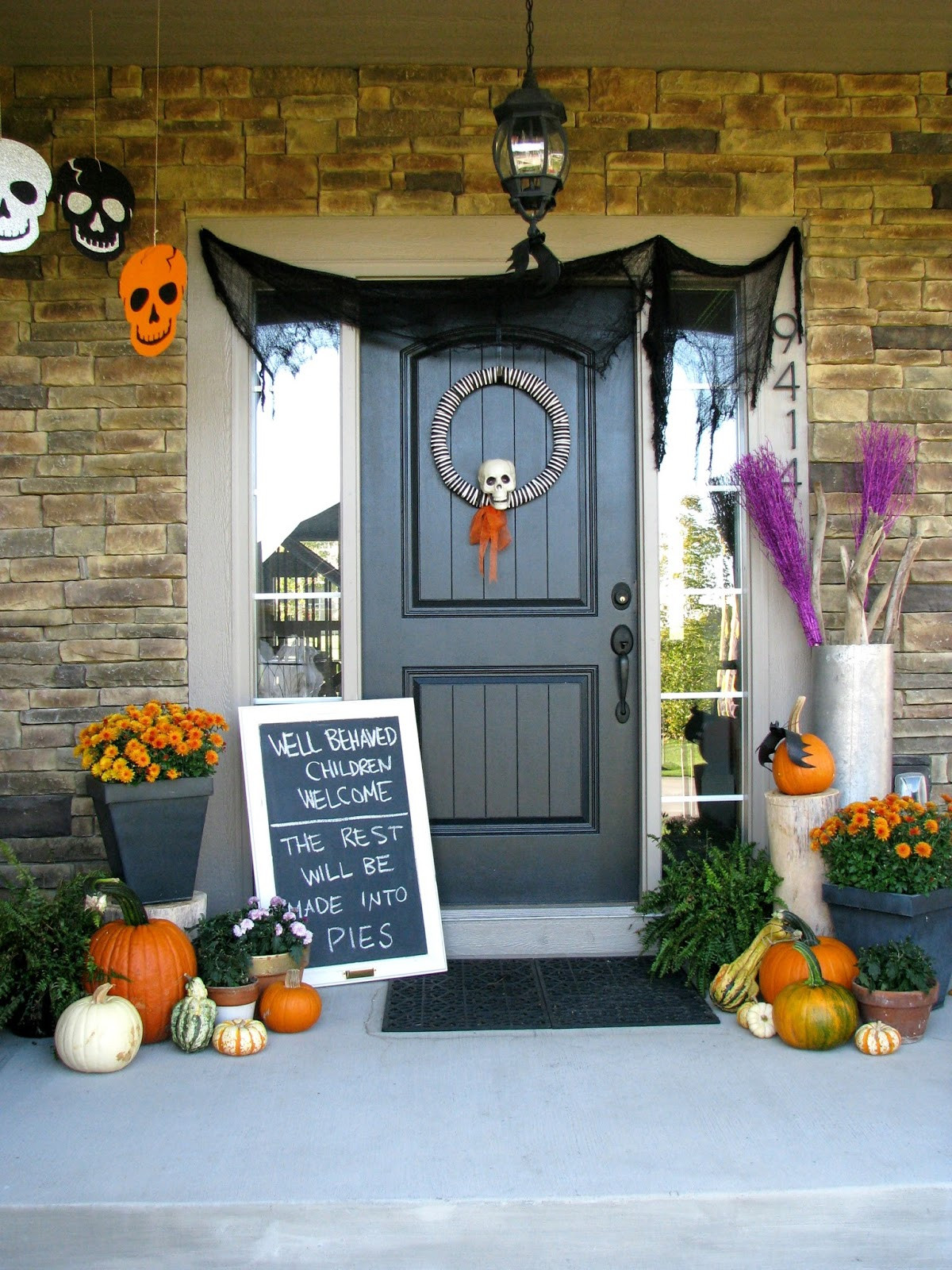 Porch Halloween Decorations  Cute Halloween Front Porch Decorations to Greet Your Guests
