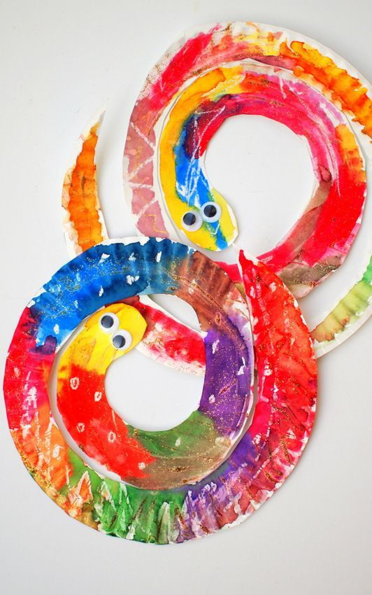 Preschoolers Art And Craft  Easy and Colorful Paper Plate Snakes