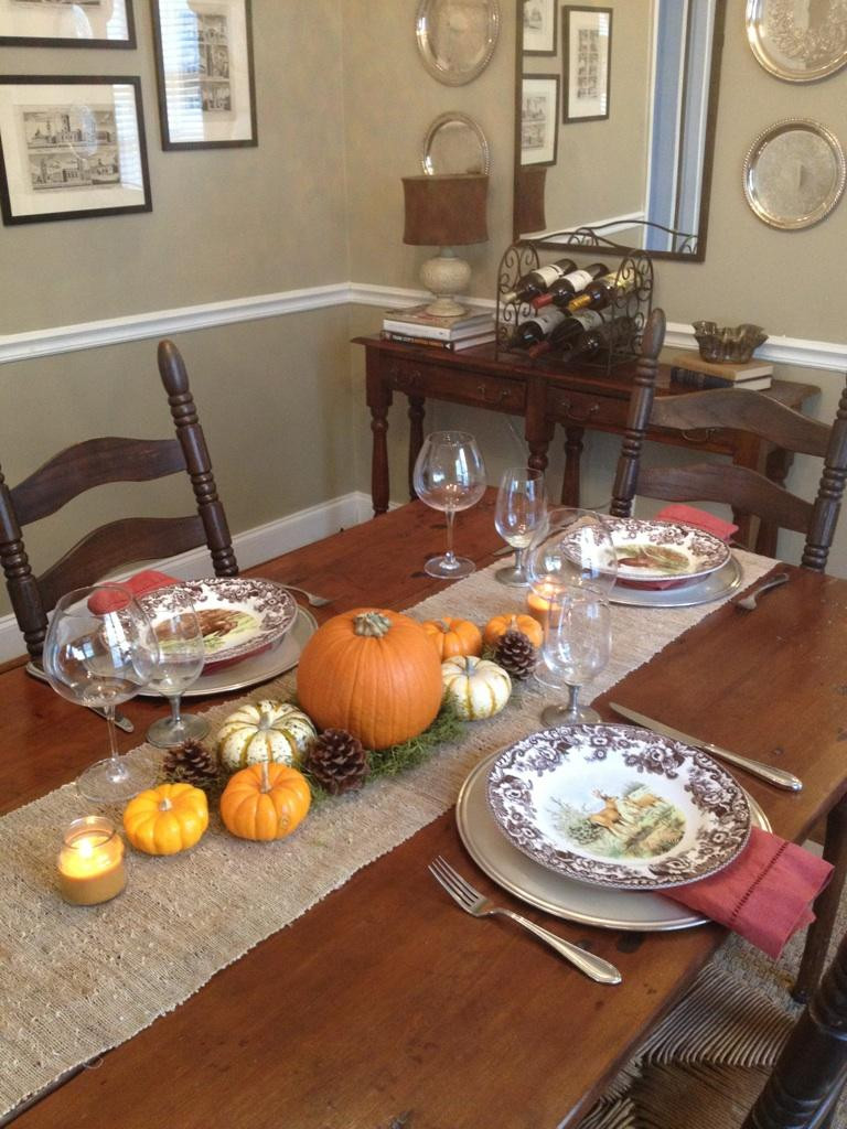 Simple Thanksgiving Table Decorations  Simple Table Settings & Aqua Linens Spice Up Simple White